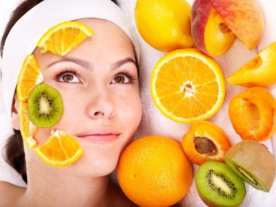 5 Cauze surprinzatoare ale acneei la adulti